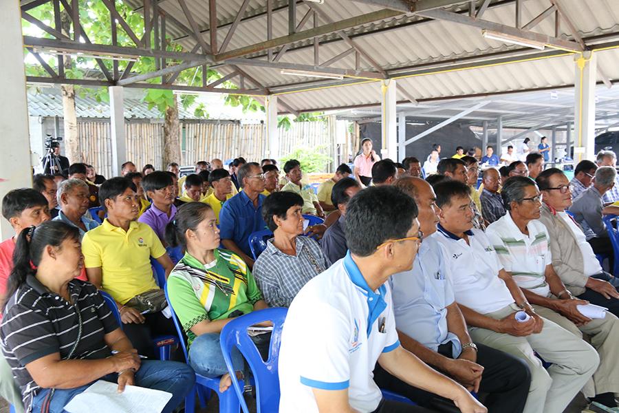 บรรยากาศการประชุมเกศตรกรกลุ่มผู้ใช้ำน้ำในพื้นที่ คบ.ท่อทองแดง จ.กำแพงเพชร
