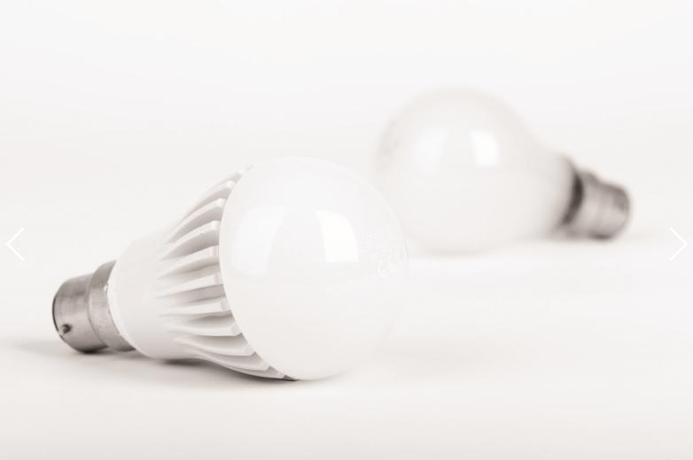 การใช้หลอด LED เพื่อการประหยัดพลังงานในอาคาร
