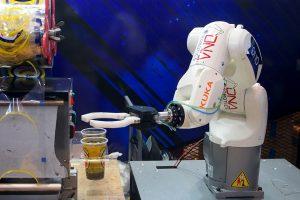 หุ่นยนต์ชงชาไข่มุก