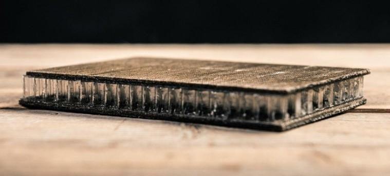 รังผึ้งคอมโพสิตที่ใช้ใยไฟเบอร์จากชานอ้อยและปอ