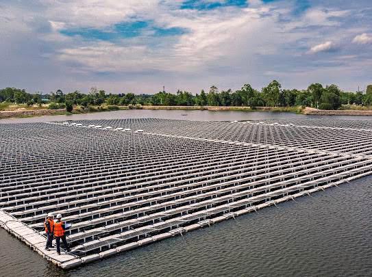 IRPC เปิดตัวนวัตกรรม ติดตั้งทุ่นโซลาร์ลอยน้ำ (Floating Solar)