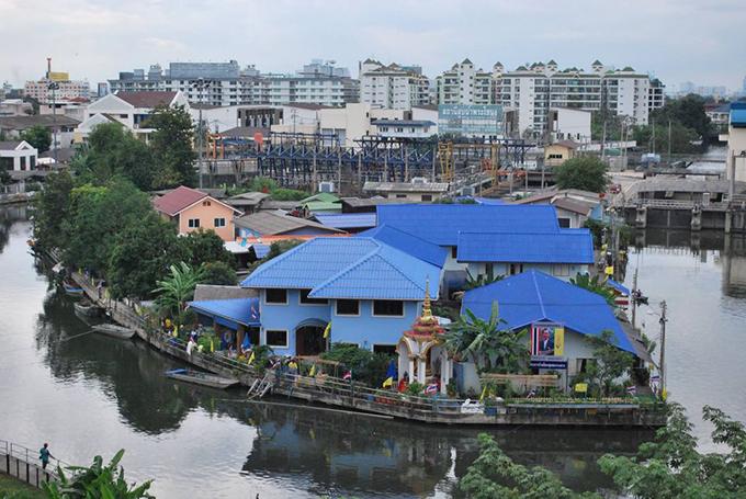 ชุมชนเกาะกลาง เขตคลองเตย กรุงเทพมหานคร